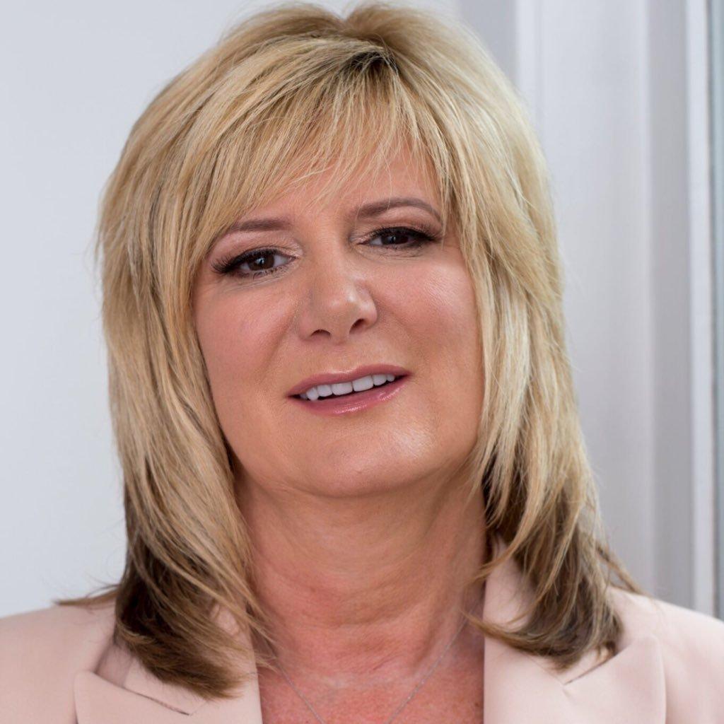 Karen Arthur