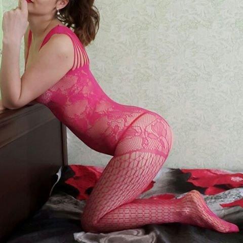 Belle salopeançaise baisée dans un squat - Française