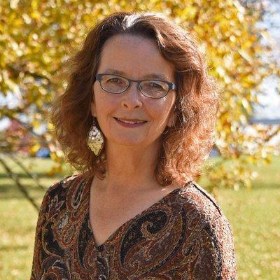 Carolyn Lange on Muck Rack