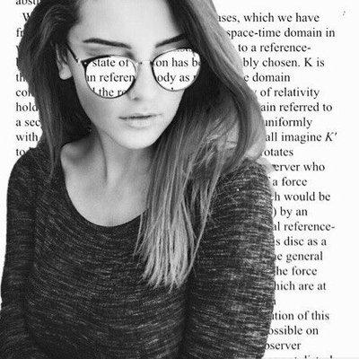Alexandra (@Alexandra__s)