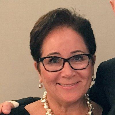 Elizabeth Heischober (@53rdStDoodles) Twitter profile photo