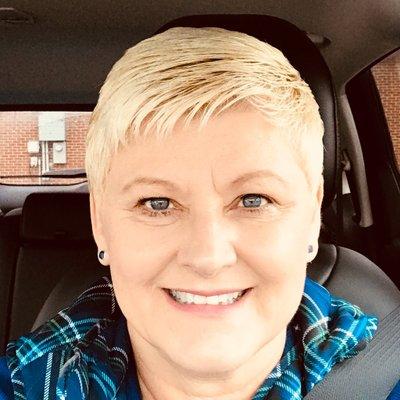 Lynn Semer (@LynnAnnSemer) Twitter profile photo