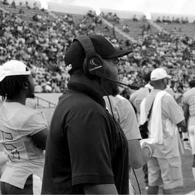 Coach Warner 🐆🏈 (@coachawarner) Twitter profile photo