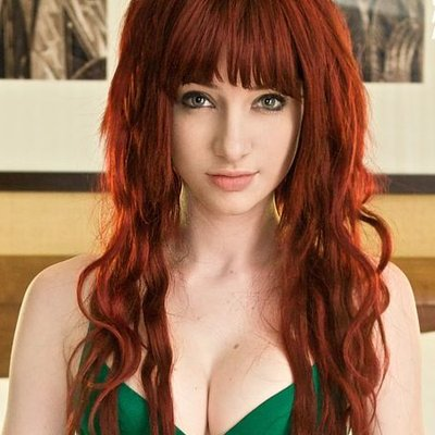 Party redhead bangs at