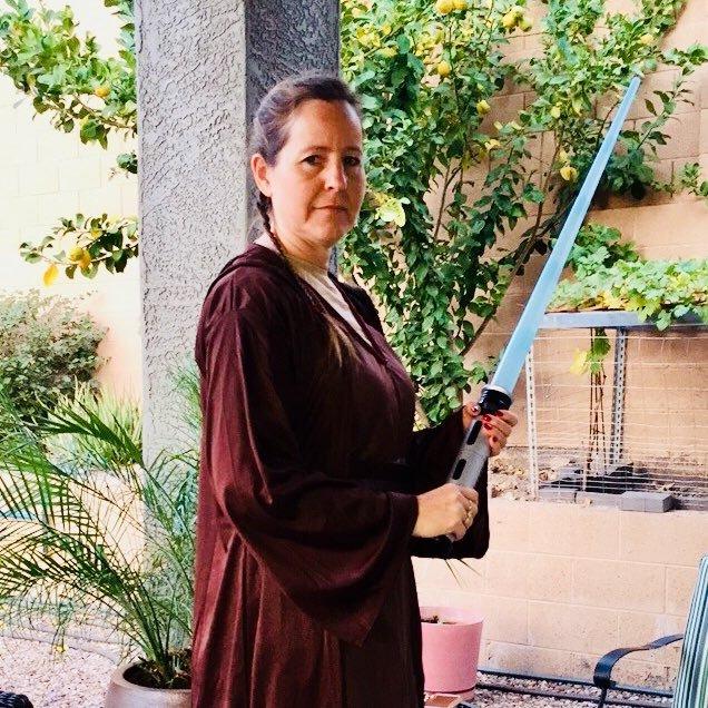 Mrs. Obi Wan (@mkenobbie12 )