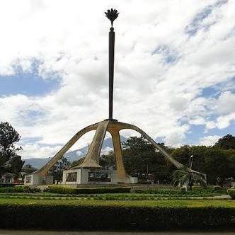 Mpekuzi KUTOMBANA: VIDEO