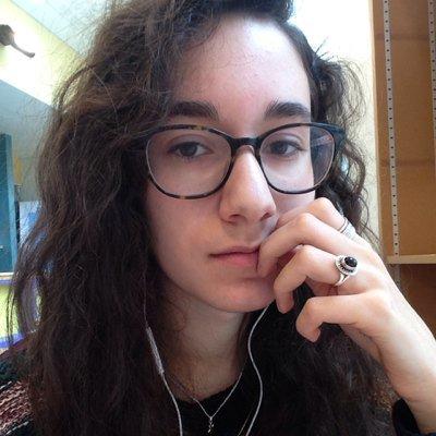 。Léa 。🦷 (@GlowingSheeep) Twitter profile photo