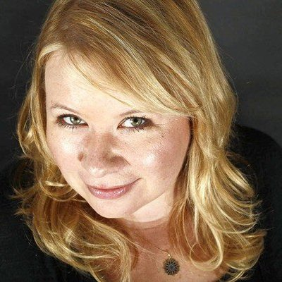 Julie Plec | Social Profile