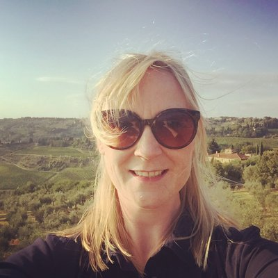 Lesley-Anne McKeown (@LAMcbelfast) Twitter profile photo