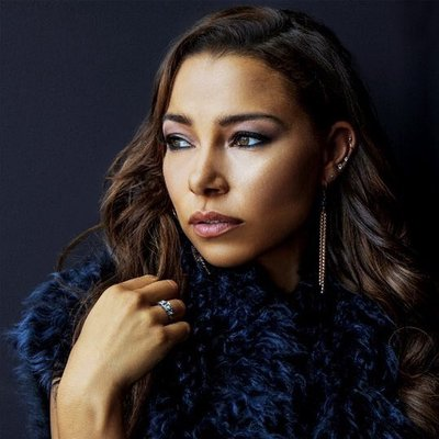 For jessica parker kennedy pics suggest