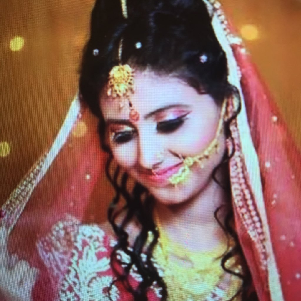 Watch Pooja Gaur 2009 video
