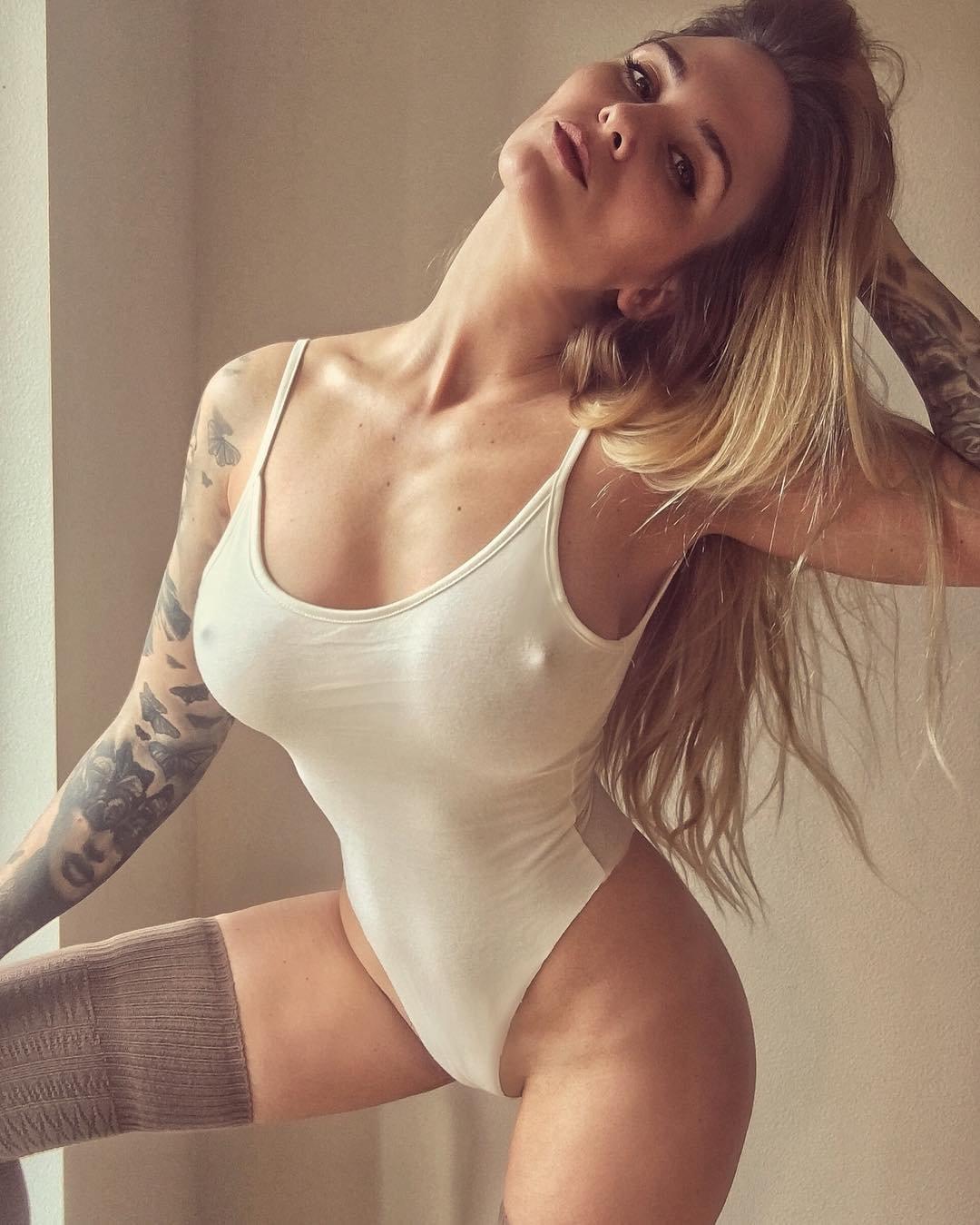 Rebekah Wainwright Nude Photos 55