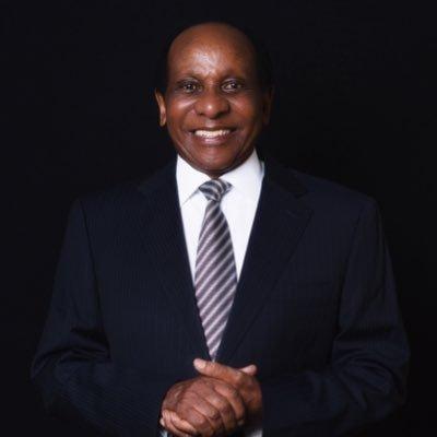 Dr Reginald Mengi