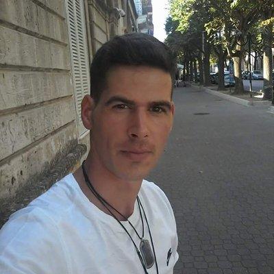 Caut divorțate bărbați din București Theotokos Dating Site.