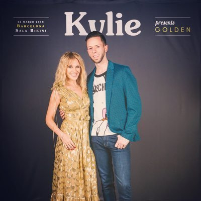 Kylie Minogue fan/ Themepark addict / Traveler / Immersive theatre and musical lover / All views expressed are my own!