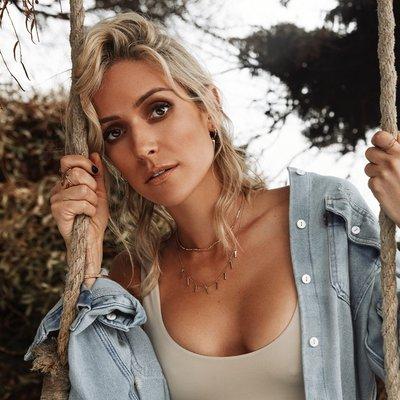 Kristin Cavallari (@KristinCav) Twitter profile photo
