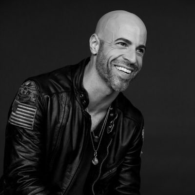 @CHRIS_Daughtry