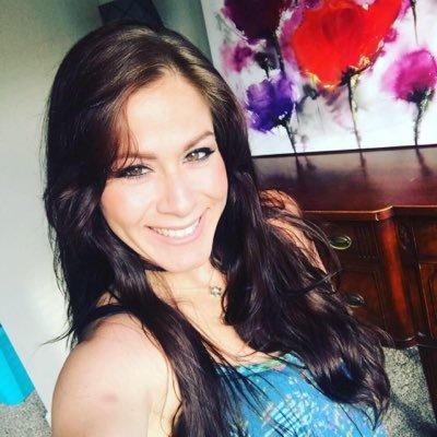 Sandra Velez (@mb122882) Twitter profile photo