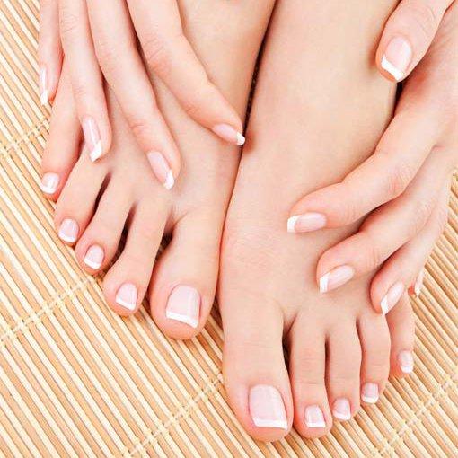 Leelee sobieski feet