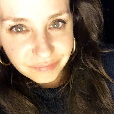 Jennifer Boston (@DebutanteRiot) Twitter profile photo