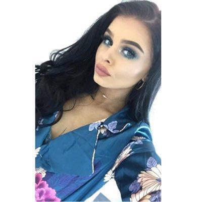 Hollie Myers (@Holliemyersx) Twitter profile photo