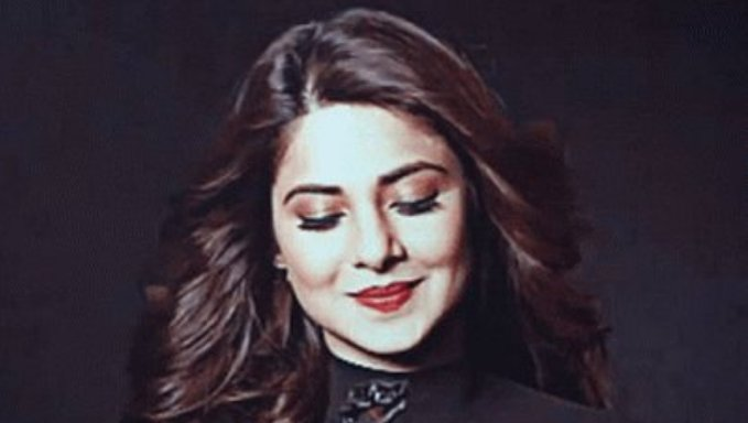Jennifer Winget  IMAGES, GIF, ANIMATED GIF, WALLPAPER, STICKER FOR WHATSAPP & FACEBOOK