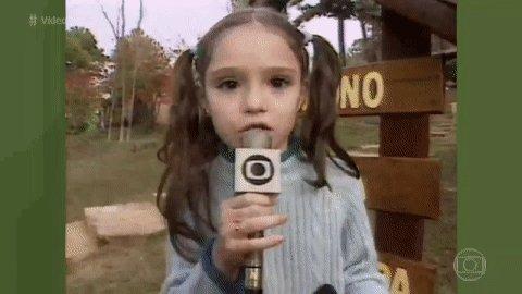 E a Isabelle Drummond sendo #RepórterPorUmDia com 8 anos? FO-FU-RA define! 😍 #VídeoShowAoVivo