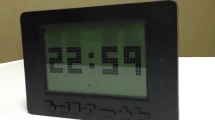 ¡RT si a ti también te gustaría tener este reloj #tetris! #FelizLunes...