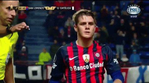 Merlini sai de campo muito aplaudido! #LibertadoresFOXSports https://t...