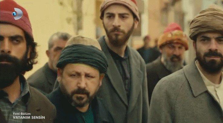 Cevdet, isyanı engellemek için uğraşıyor! #SeviyorumOnu https://t.co/j...