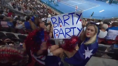 They're having a #BartyParty at @BrisbaneTennis! 🎈