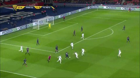 Here's some more @MarcoVerratti1 magic for you 👌 ⚽️ #PSGFCM 🔴🔵 #ICICES...
