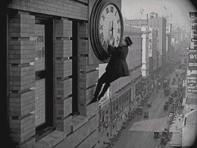 How Harold Lloyd's clock scene in Safety Last was shot. https://t.co/P4PtBDxnX4