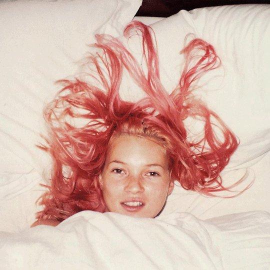 Someone will be having cake today! Happy Birthday supermodel Kate Moss!