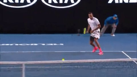 Kyrgios magic! #AusOpen https://t.co/x5zNnjfOb6