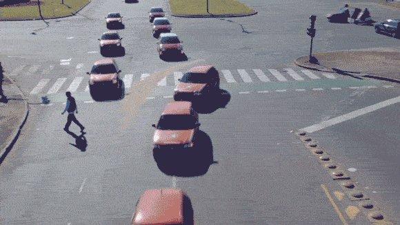 """【福特: 其实你们都弄错了什么是""""自动驾驶""""!】真正的自动驾驶:其实应该是这个样子的。 https://t.co/Mbq2P1T7wF https://t.co/ppt09mr0nX"""