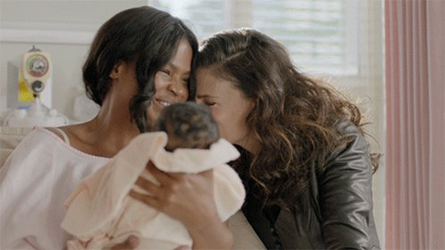 .@idinamenzel and @NiaLong are our newest female friendship idols in #...