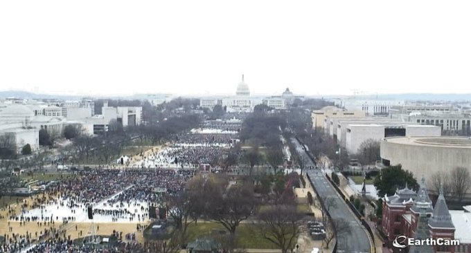 Photos taken at 12:15 p.m. ET each day show Trump's inauguration crowd vs. the #WomensMarch https://t.co/syj3kEAr2t