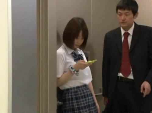 breasts-japanese-girls-in-elevator-presley