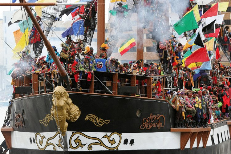 Faces in the crowd: 84 photos from Saturday's Gasparilla festivities