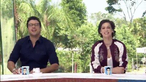 Olha elaaaaa! #SophiaAbrahãoNoVídeoShow https://t.co/KwhMY6rbRW