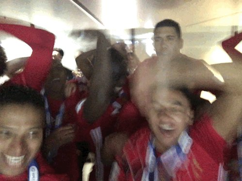 📸 - That winning feeling! 🏆👊  @ManUtd - your #EFLCupFinal champions. h...