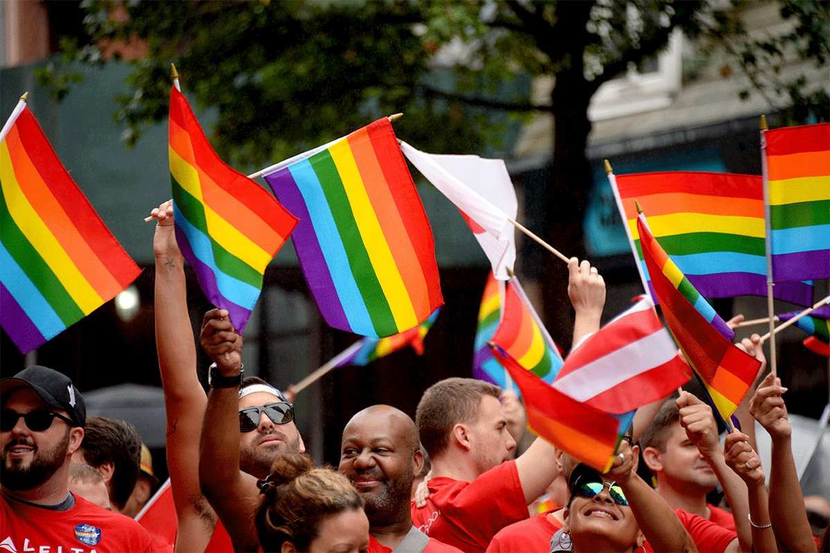 Lesbian, gay, bisexual voters remain solidly democratic