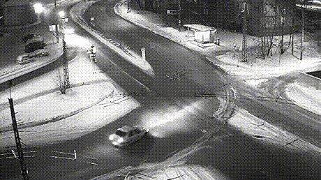 【速報】ロシアの冬の交差点の日常