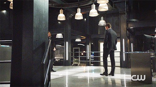 Oliver calls on the Bratva for help on a new #Arrow, starting NOW. htt...