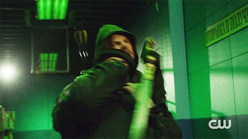 A new #Arrow starts NOW on The CW. https://t.co/Jnv43vVky7