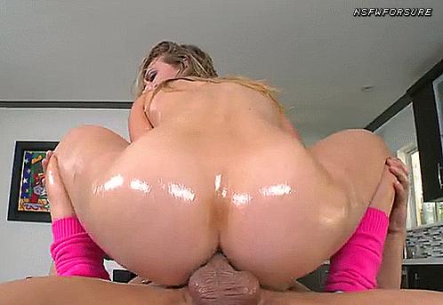 Big booty blonde rides