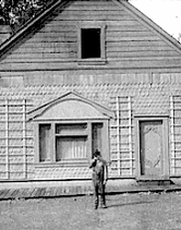 Half of the crew walked off set during the house fall. They were afraid Buster wouldn't make it! #TCMParty http://t.co/ORQBkOUYtA