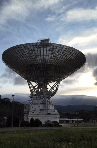 #DSS43 moving into position for the @NASANewHorizons encounter. #PlutoFlyby http://t.co/JG9Ne74lpy
