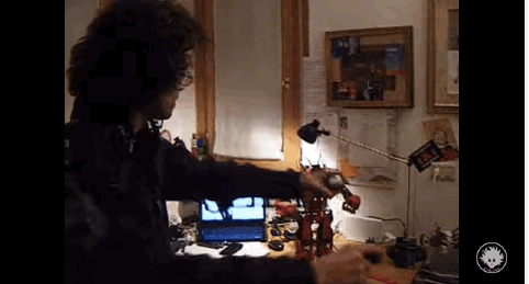 RT @TheNextWeb: This Lego genius built an exoskeleton to remotely control his creations http://t.co/N76rMheYez http://t.co/mPciRbHyKN
